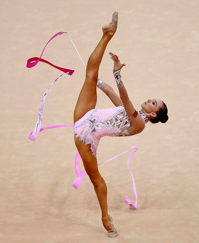 Гимнастки в прозрачном тренировки